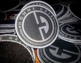 "Les Moral Patch ""Homme Gris"" maintenant disponibles !"